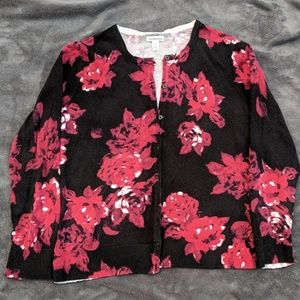 ♦️BOGO 50%Off♦️Button down sweater black w/red 🌹